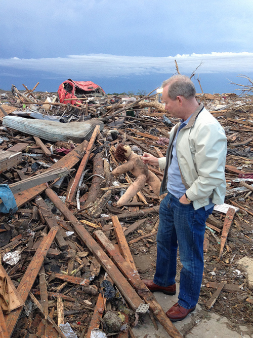 Oklahoma City Mayor Tours Tornado Damage