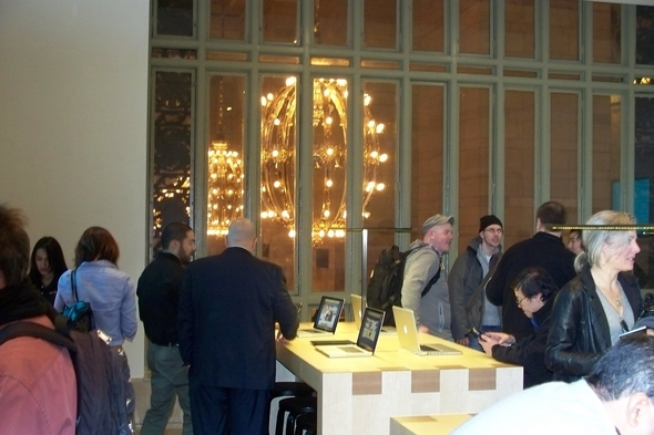 Apple Grand Central Store: Quick Tour