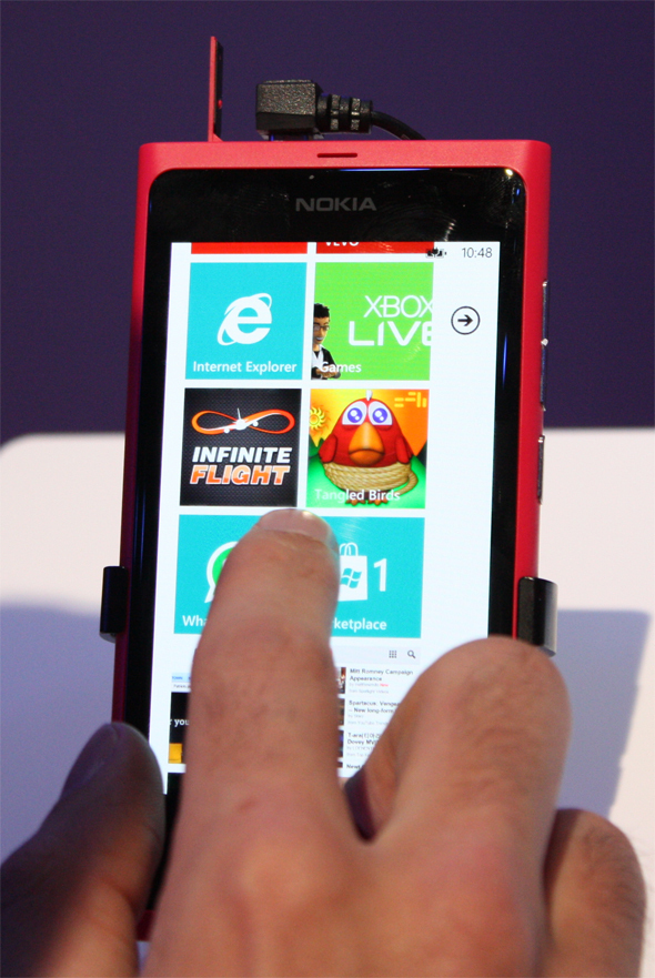 Nokia's Pretty Lumia 800