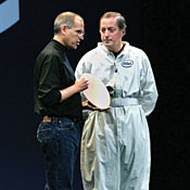 Apple's Jobs (left) with an Intel silicon wafer and Intel's CEO, Paul Otellini, at Macworld.