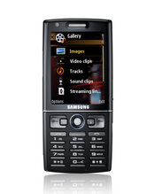 The Symbian-based Samsung i550 is the device maker's first phone to include GPS; it also uses HSDPA 3G cellular technology for high-speed data access.